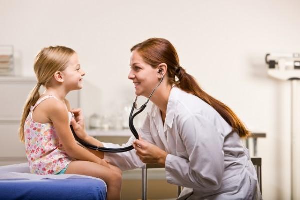 Dziecko u lekarza/fot. Fotolia